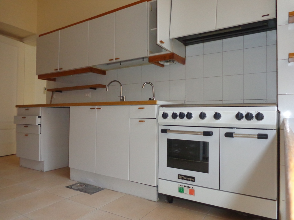 Apartment for Rent, Ras Beirut, 300 sqm,  40,000 USD