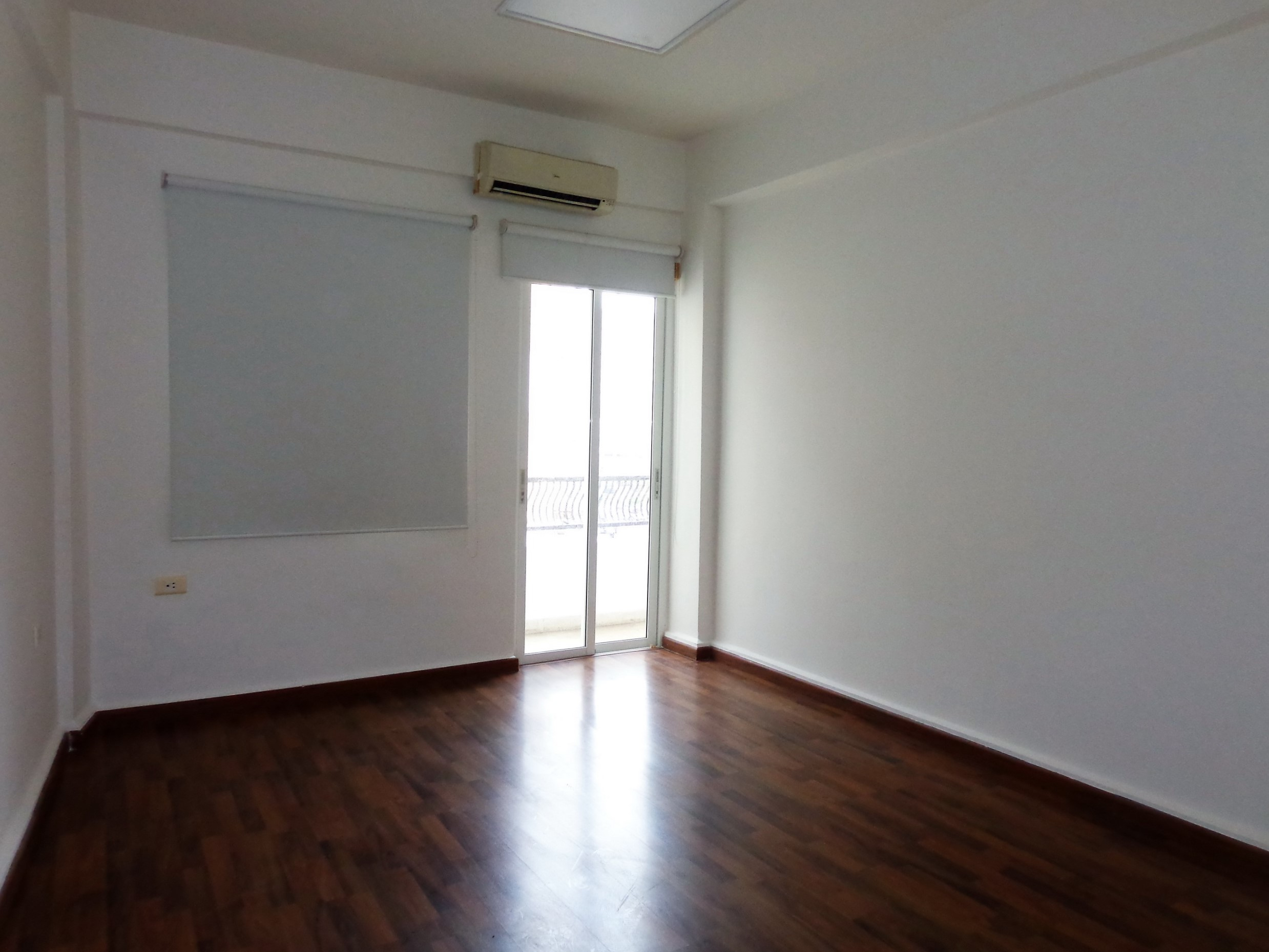 Office for Rent, Monnot, 125 sqm,  16,000 USD