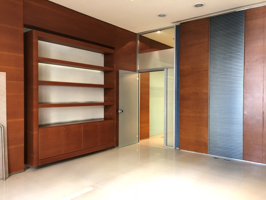Office for Rent, Beirut Central District, 600 sqm,  180,000 USD